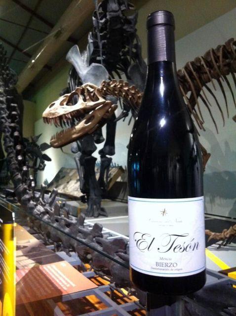 El Tesón 2012 en la Sala de los Dinosaurios