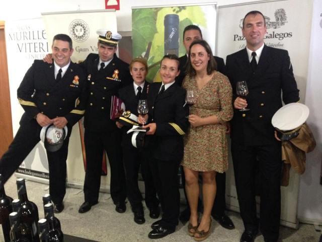 Los Suboficiales de la Infantería de Marina de Ferrol y la chef gallega estrella michelín Beatriz Sotelo